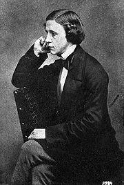 Lewis Carroll, autor de Alicia en el País de las Maravilllas no pudo acceder al sacerdocio por su tartamudez.